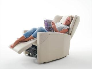 Poltrona Relax modello Amami, schienale e poggiapiedi aperti