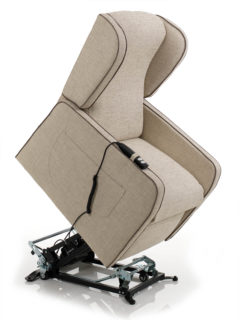 Pinta Relax armchair, LIFT riser system