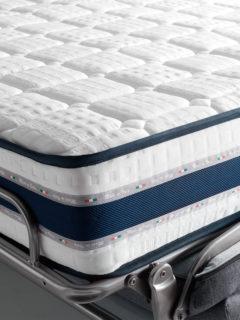 Divano letto modello Reverso, materasso da 21 cm